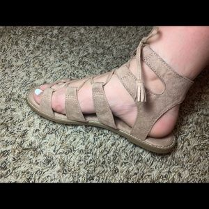 Size 9 Lace-up Sandals